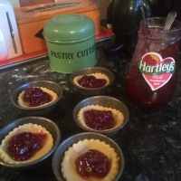 Wish Vintage Kitchen Bakes Marguerite Patten - Jam Tarts